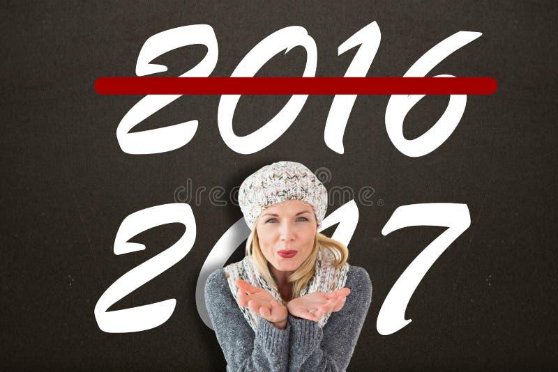 Σύνθετη εικόνα του ευτυχούς χειμώνα ξανθή στοκ εικόνες με δικαίωμα ελεύθερης χρήσης