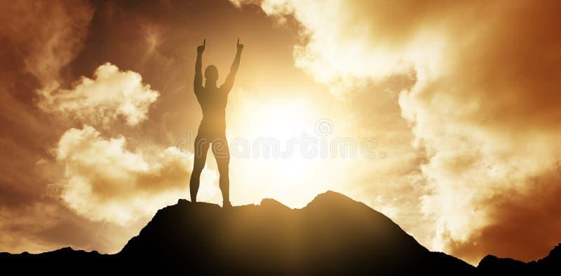 Σύνθετη εικόνα του θηλυκού αθλητή που αυξάνει τα δάχτυλα στοκ εικόνες με δικαίωμα ελεύθερης χρήσης