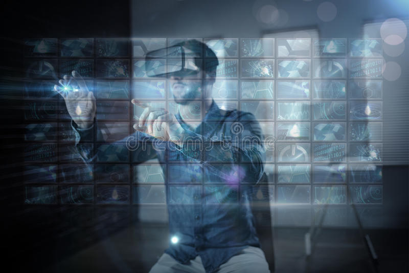 Σύνθετη εικόνα του κολάζ οθόνης που παρουσιάζει εικόνες υπολογισμού διανυσματική απεικόνιση