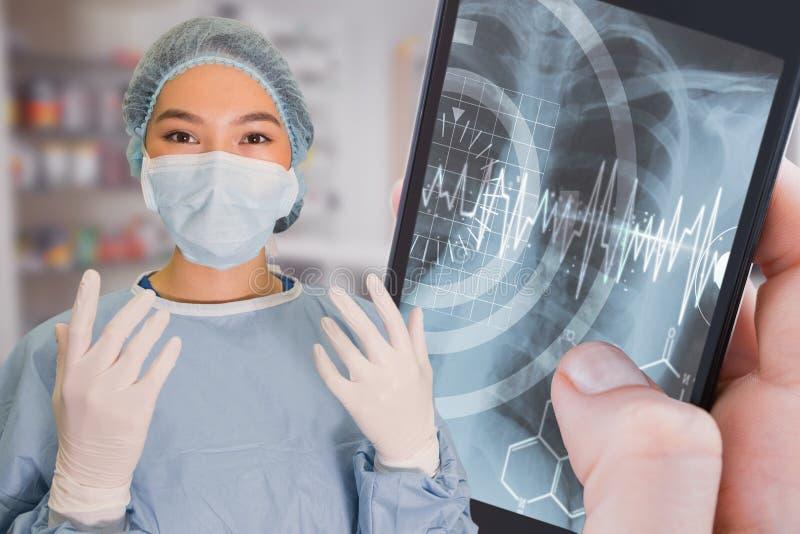 Σύνθετη εικόνα του πορτρέτου της ανάγνωσης γυναικών χειρούργων για τη χειρουργική επέμβαση στοκ εικόνα με δικαίωμα ελεύθερης χρήσης