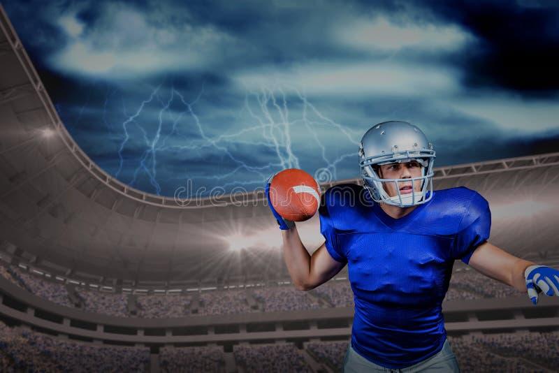 Σύνθετη εικόνα του σοβαρού φορέα αμερικανικού ποδοσφαίρου που ρίχνει τη σφαίρα στοκ φωτογραφία με δικαίωμα ελεύθερης χρήσης