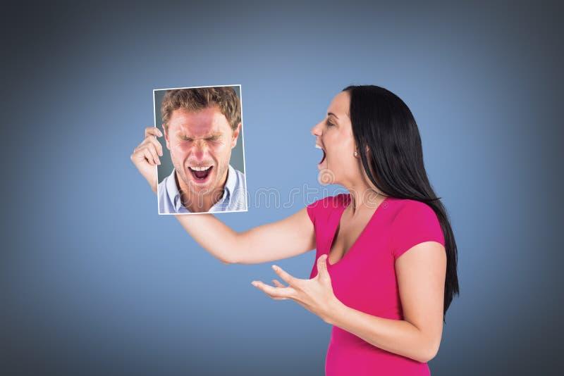 Σύνθετη εικόνα του υ ατόμου που φωνάζει προς τη κάμερα στοκ φωτογραφία με δικαίωμα ελεύθερης χρήσης