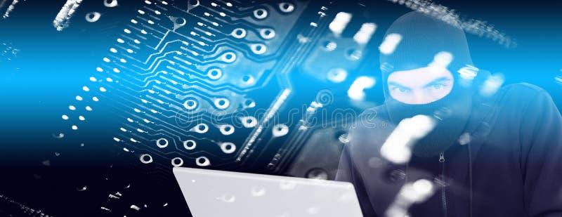 Σύνθετη εικόνα του χάκερ balaclava που χαράσσει ένα lap-top διανυσματική απεικόνιση