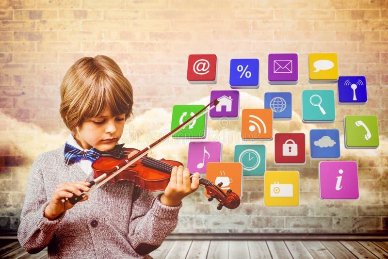 Σύνθετη εικόνα του χαριτωμένου βιολιού παιχνιδιού μικρών παιδιών στοκ εικόνες