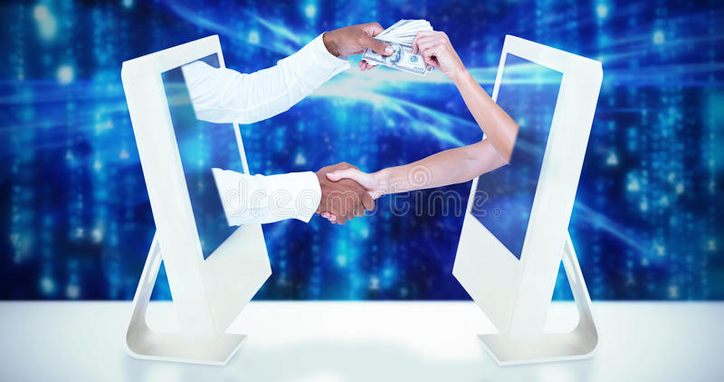 Σύνθετη εικόνα των επιχειρηματιών που τινάζουν τα χέρια και που περνούν banknots στοκ εικόνες