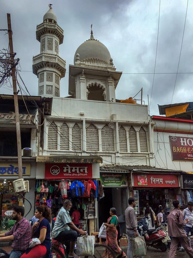 Σύννεφα δυτικό Maharashtra ΙΝΔΙΑ οδικού Masjid Kalyan σταθμών στοκ εικόνα με δικαίωμα ελεύθερης χρήσης