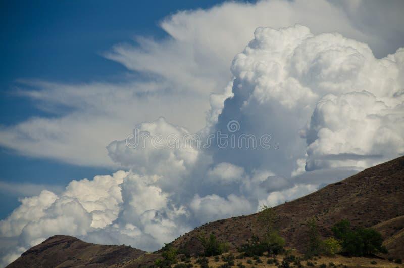 Σύννεφα θύελλας που κατεβαίνουν στο φαράγγι κολάσεων στοκ εικόνα με δικαίωμα ελεύθερης χρήσης