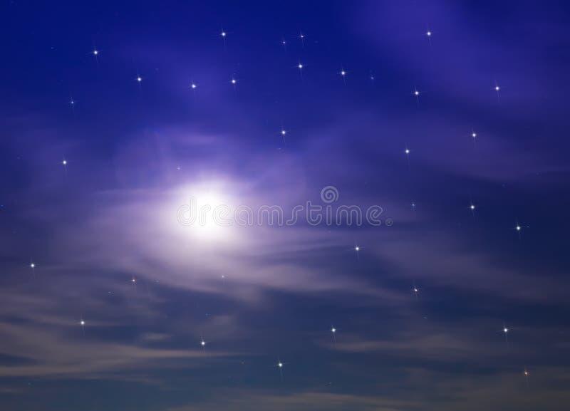 Σύννεφα και φεγγάρι στοκ εικόνες