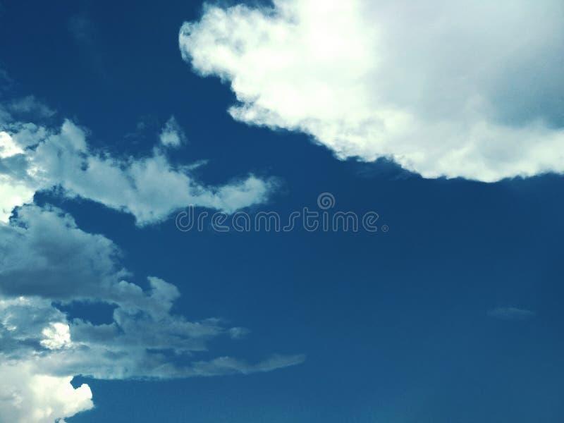 Σύννεφα κρυστάλλου πάγου και σωρειτών στον ουρανό στοκ φωτογραφίες με δικαίωμα ελεύθερης χρήσης