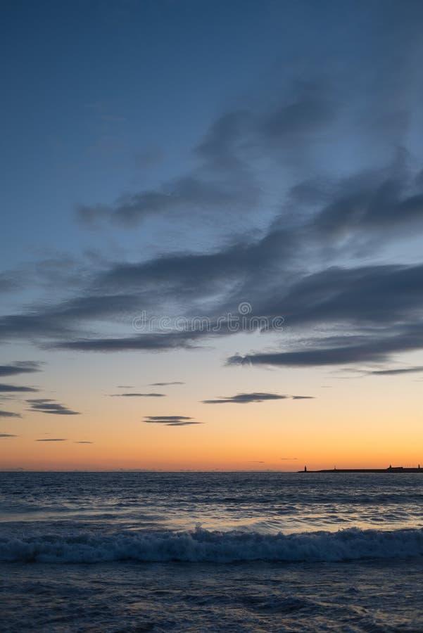 σύννεφα πέρα από τη θάλασσα στοκ εικόνες με δικαίωμα ελεύθερης χρήσης