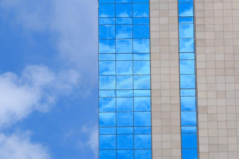 σύννεφα που απεικονίζον&ta στοκ εικόνες