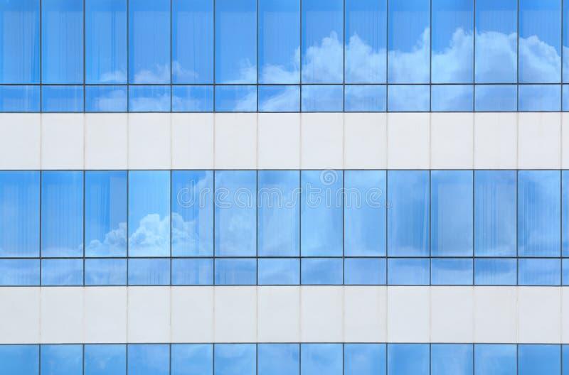 σύννεφα που απεικονίζον&ta στοκ φωτογραφία με δικαίωμα ελεύθερης χρήσης