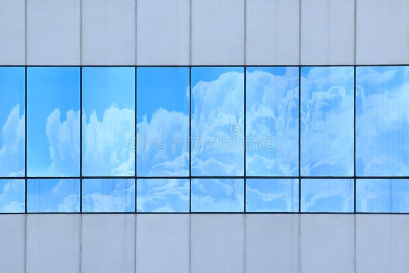 σύννεφα που απεικονίζον&ta στοκ εικόνα με δικαίωμα ελεύθερης χρήσης