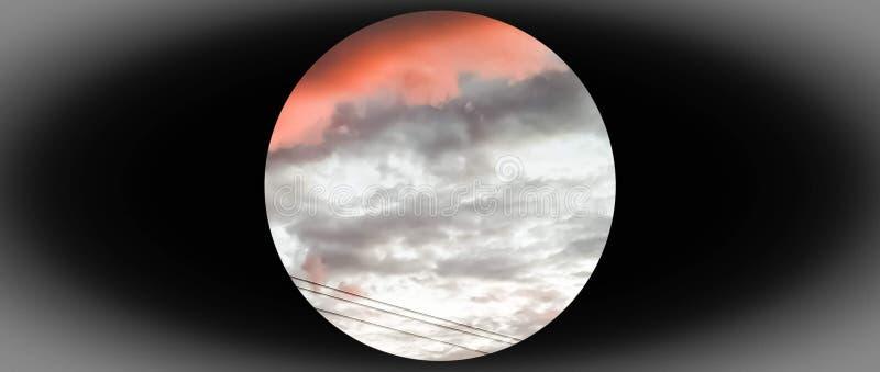 σύννεφα που διαμορφώνονται όπως το φεγγάρι, καλοκαίρι 2018 Wenatchee στοκ εικόνες με δικαίωμα ελεύθερης χρήσης