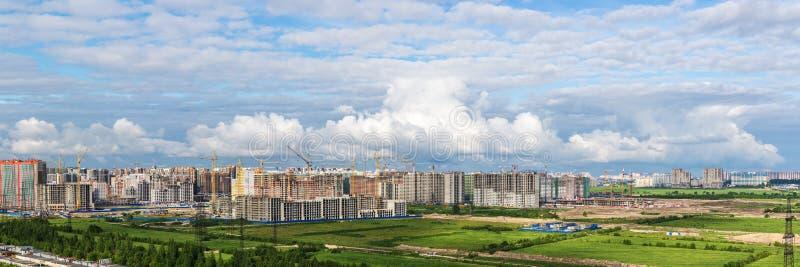 σύννεφα πόλεων στοκ εικόνες