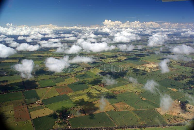 Σύννεφα σφαιρών βαμβακιού στοκ εικόνες