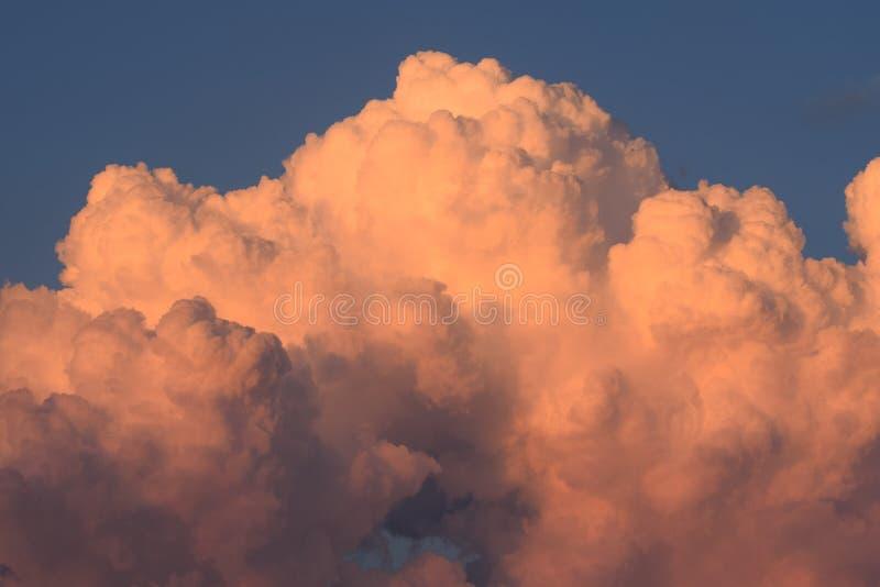 Σύννεφα της πόλης του Κάνσας στοκ εικόνα