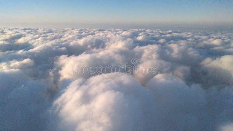 Σύννεφα όπως το βαμβάκι στοκ εικόνες με δικαίωμα ελεύθερης χρήσης