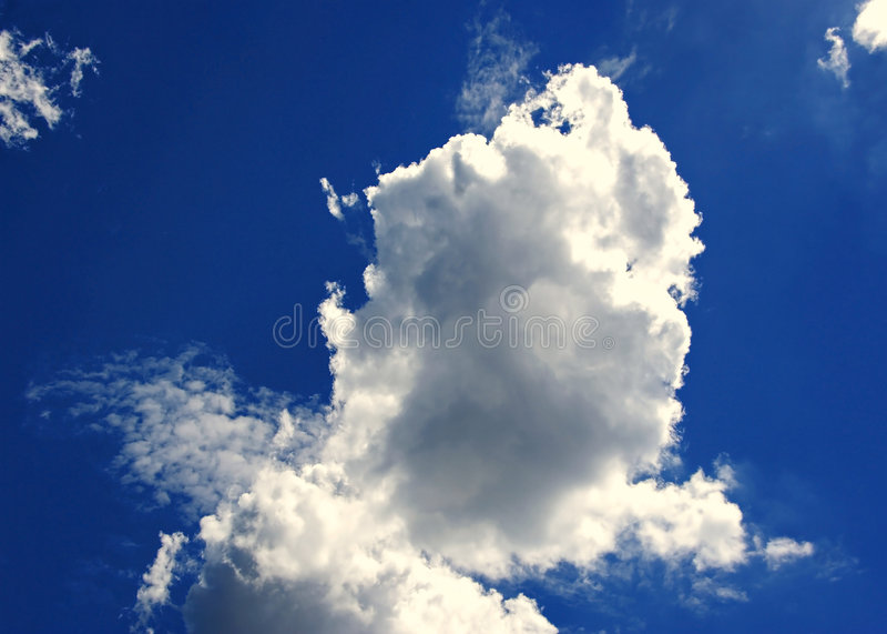 Download σύννεφα στοκ εικόνα. εικόνα από βακκινίων, χνουδωτός, ουρανοί - 115801