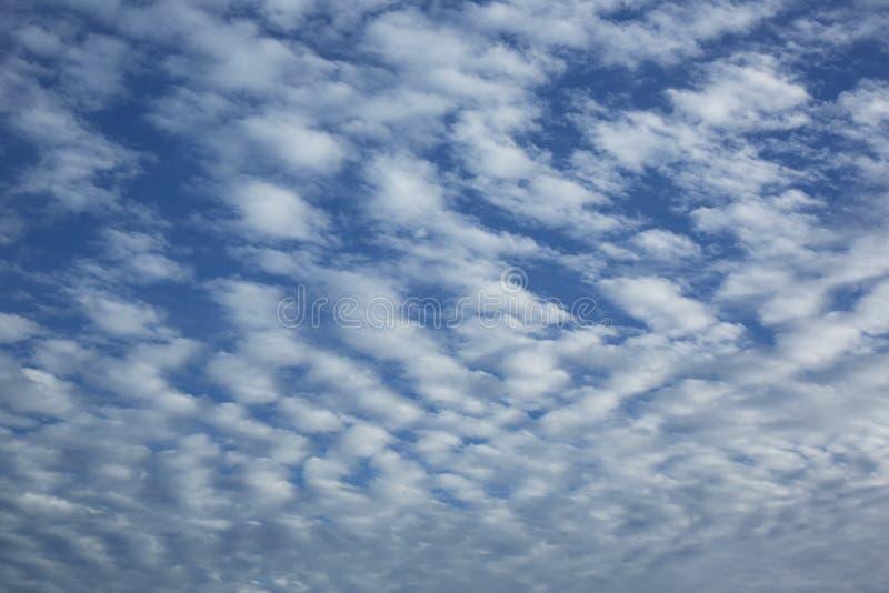 Σύννεφα Cirrocumulus στοκ εικόνες