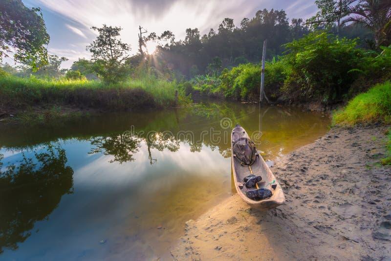 Σύννεφο, ηλιοβασίλεμα σε Mentawai στοκ φωτογραφία