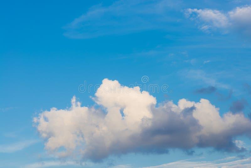 Σύννεφο και ουρανός στοκ εικόνες