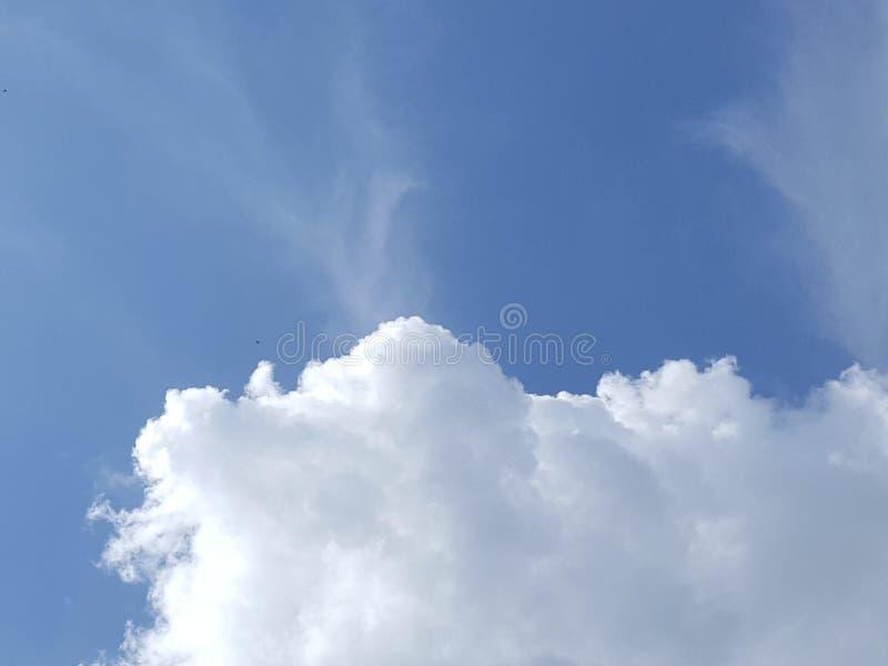 σύννεφο χνουδωτό στοκ εικόνες
