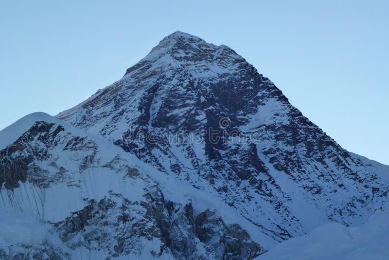 Σύνοδος κορυφής ορών Έβερεστ στην αυγή από τη Kala Patthar, Gorak Shep, οδοιπορικό στρατόπεδων βάσεων Everest, Νεπάλ στοκ εικόνες με δικαίωμα ελεύθερης χρήσης