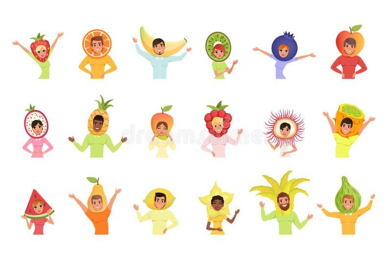 Σύνολο ανδρών και γυναικών στα διαφορετικά καπέλα φρούτων Φράουλα, πορτοκάλι, μπανάνα, pitaya, ανανάς, μάγκο, καρπούζι, αχλάδι κα ελεύθερη απεικόνιση δικαιώματος
