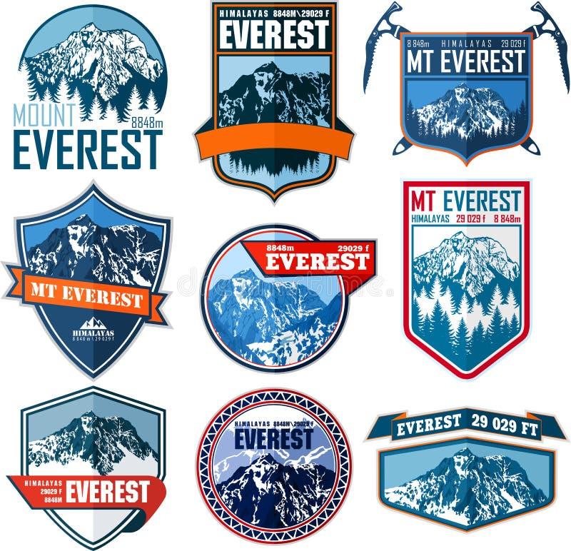 Σύνολο διανυσματικού λογότυπου βουνών Everest Έμβλημα με το υψηλότερο peack στον κόσμο Ετικέτα ορειβασίας απεικόνιση αποθεμάτων