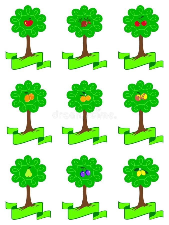 Σύνολο διαφορετικών οπωρωφόρων δέντρων κινούμενων σχεδίων με τα ώριμα φρούτα και ριζών που απομονώνονται στο άσπρο υπόβαθρο ελεύθερη απεικόνιση δικαιώματος