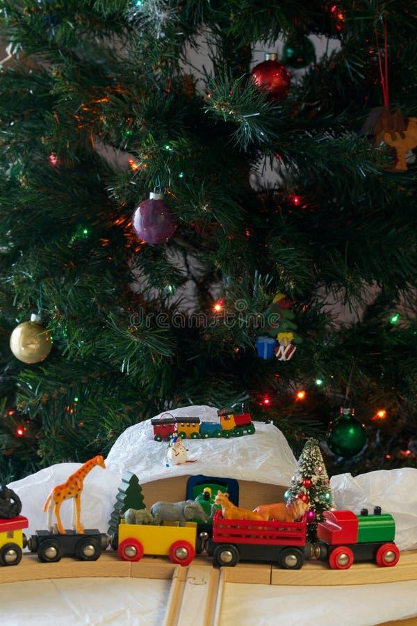 Σύνολο και ζώα τραίνων Χριστουγέννων στοκ φωτογραφίες με δικαίωμα ελεύθερης χρήσης