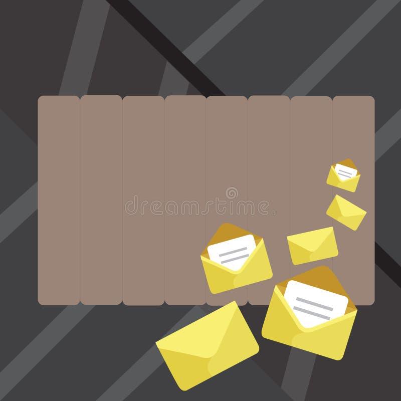 Σύνολο κλειστών και ανοικτών φακέλων με το έγγραφο που πτυχώνεται μέσα Διαφορετικά μεγέθη του χρυσού περιβλήματος επιστολών χρώμα ελεύθερη απεικόνιση δικαιώματος