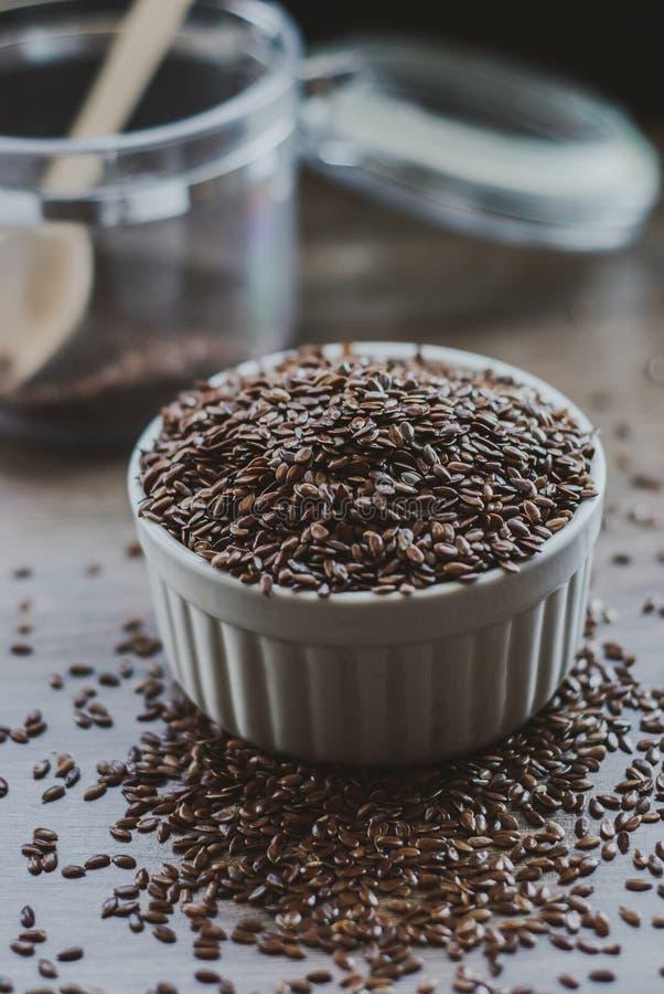 Σύνολο κύπελλων καφετιού flaxseed ή του λιναρόσπορου στοκ φωτογραφίες με δικαίωμα ελεύθερης χρήσης