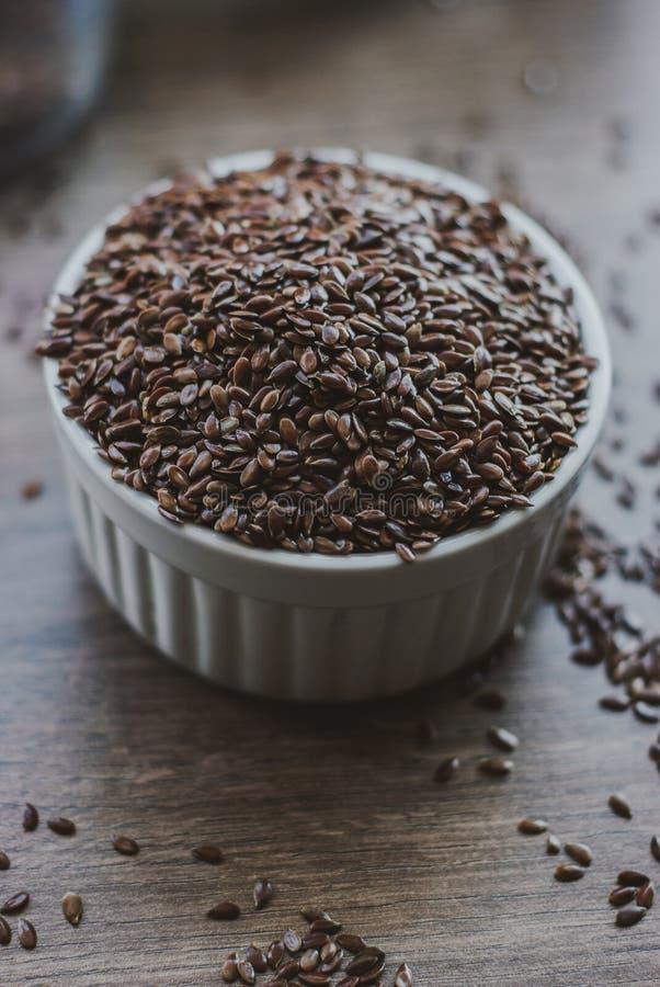 Σύνολο κύπελλων καφετιού flaxseed ή του λιναρόσπορου στοκ φωτογραφία με δικαίωμα ελεύθερης χρήσης