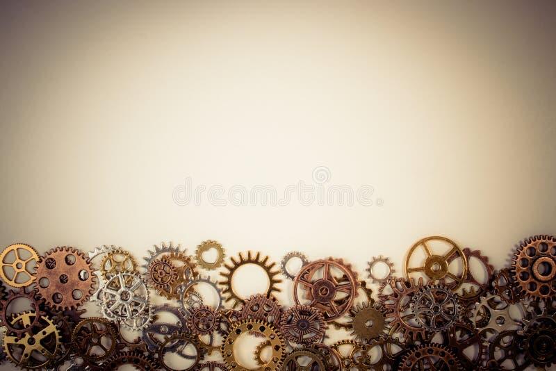 Σύνολο σκουριασμένου εργαλείου εργαλείων ή βαραίνω μετάλλων σε ένα άσπρο υπόβαθρο στοκ εικόνες με δικαίωμα ελεύθερης χρήσης