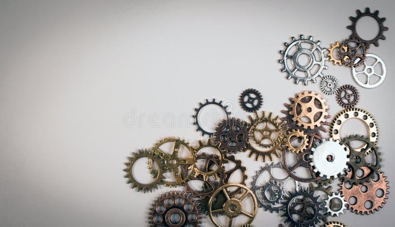 Σύνολο σκουριασμένου εργαλείου εργαλείων ή βαραίνω μετάλλων σε ένα άσπρο υπόβαθρο στοκ εικόνα