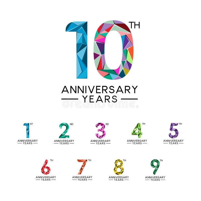Σύνολο σύγχρονο πλήρες χρώμα τριγώνων 1 έως 10 ετών επετείου αφηρημένο ελεύθερη απεικόνιση δικαιώματος