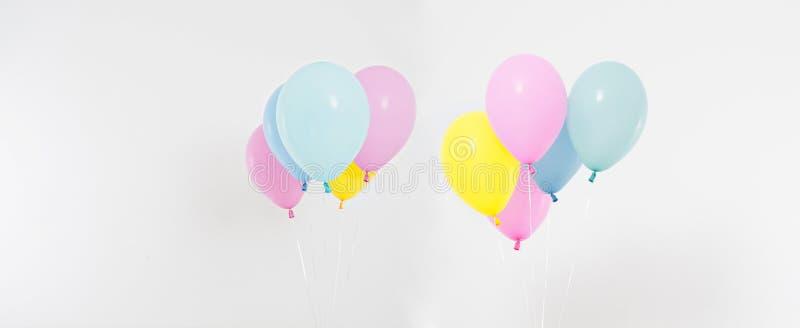 Σύνολο, χρωματισμένο κολάζ υπόβαθρο μπαλονιών Εορτασμός, διακοπές, θερινή έννοια Πρότυπο σχεδίου, πίνακας διαφημίσεων ή κενό εμβλ στοκ εικόνες