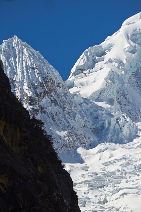 Σύνοδος Κορυφής Ranrapalca στοκ φωτογραφία με δικαίωμα ελεύθερης χρήσης