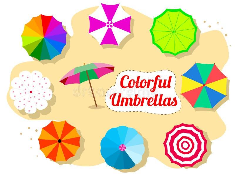 Σύνολο ζωηρόχρωμων ομπρελών στην παραλία στοκ εικόνα