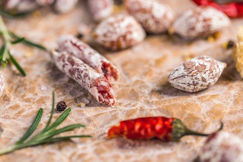 Σύνολο λουκάνικων σαλαμιού στοκ φωτογραφία