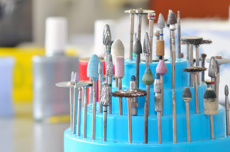 Σύνολο οδοντικών burs και τροχών άλεσης στοκ φωτογραφίες με δικαίωμα ελεύθερης χρήσης