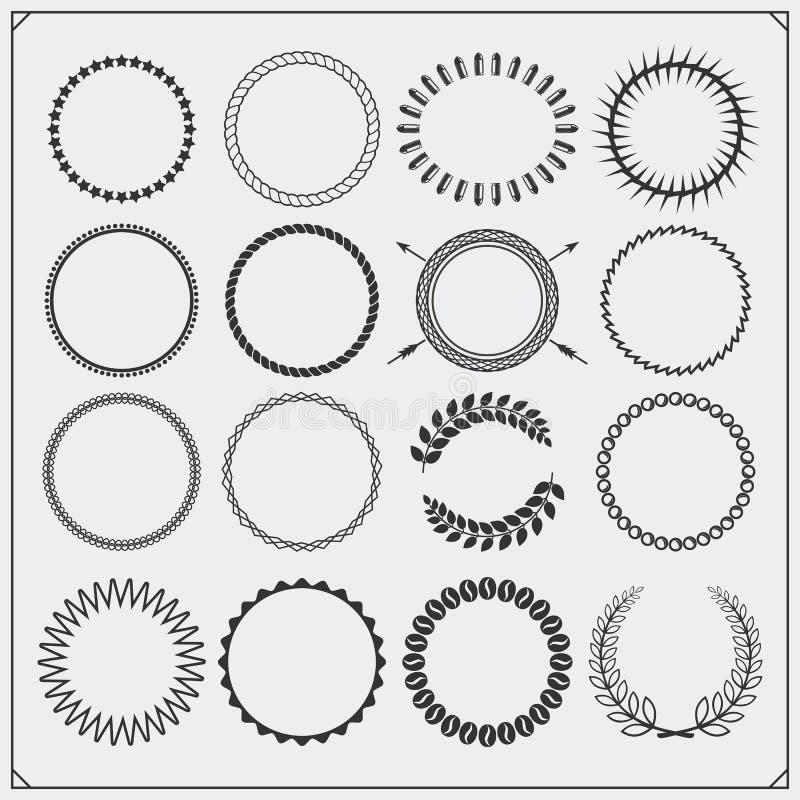 Σύνολο στρογγυλών διακοσμητικών σχεδίων για τα εμβλήματα, τα πλαίσια και τα εκλεκτής ποιότητας σχέδια ετικετών απεικόνιση αποθεμάτων