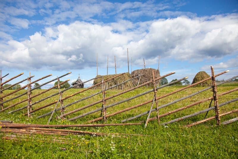 Σύνολο Kizhi Pogost και αντικείμενα της ξύλινης αρχιτεκτονικής στοκ φωτογραφία με δικαίωμα ελεύθερης χρήσης