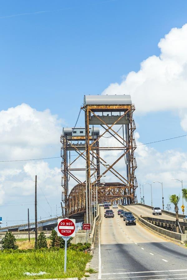 Σύρετε τη γέφυρα στο χαμηλότερο ένατο θάλαμο στοκ φωτογραφίες