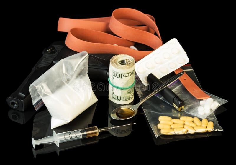 Σύριγγα και ηρωίνη φαρμάκων στοκ εικόνες