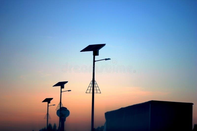 σύσταση ουρανού ουρανών βραδιού Αφηρημένοι στυλοβάτες στις σκιές συσκότισης στοκ φωτογραφίες με δικαίωμα ελεύθερης χρήσης
