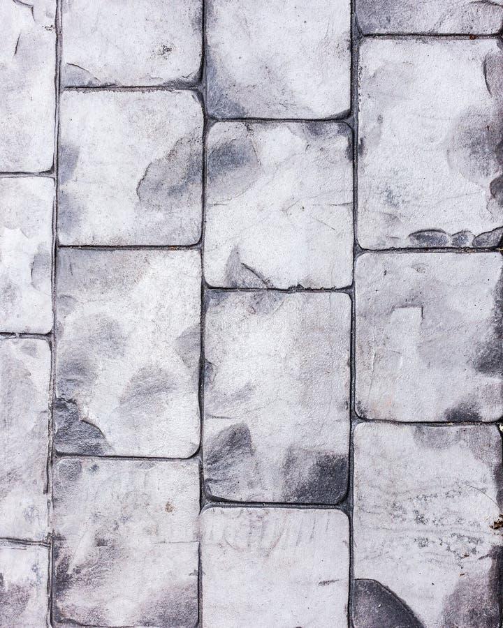 Σύσταση πλακών που δαπεδώνει μια δημοφιλή επιλογή για το σύγχρονους τοίχο και το λουτρό στοκ φωτογραφίες
