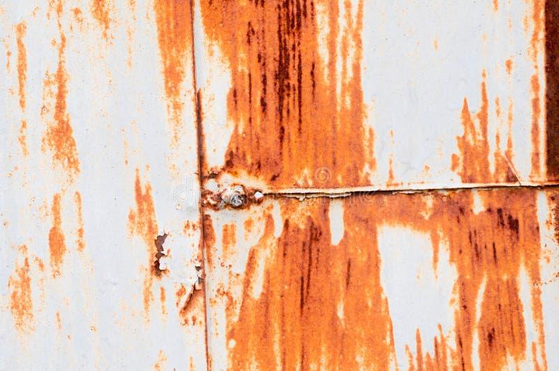Σύσταση σκουριάς στην επιφάνεια μετάλλων με τις κάθετες και οριζόντιες ραφές στοκ φωτογραφία με δικαίωμα ελεύθερης χρήσης